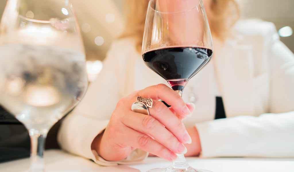 Лечение женского алкоголизма в Каринском анонимно